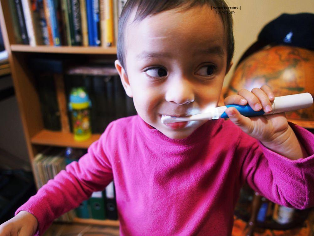 美好的笑容從小開始- 來自法國的健口泉照護一家子牙齒