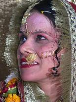 VARANASI-INDIA WEEDING12/13